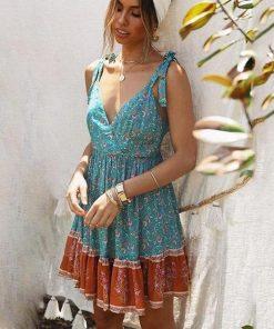 Bohemian Krawatte und Farbstoff Kleid